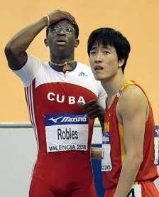 El cubano DaYron Robles y el chino  Liu Xiang