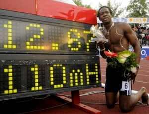 El cubano Dayron Robles quebró hoy el récord mundial de los 110 metros con vallas