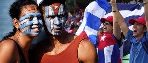 Cubanos seguidores del beisbol