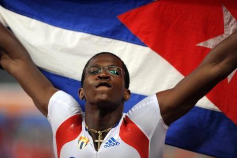 Dayron Robles, campéon olimpico en los 100 metros con vallas