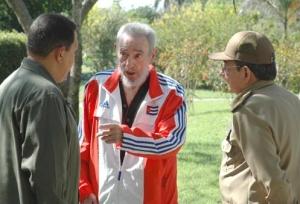 Chávez, Fidel y Raúl Castro sostuvieron un encuentro en la noche del sábado