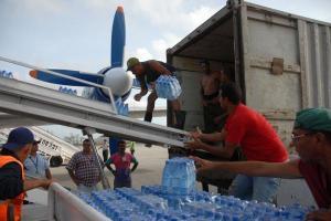 Unos 30 vuelos con gargas para los damnificados arribaron a la Isla de la Juventud