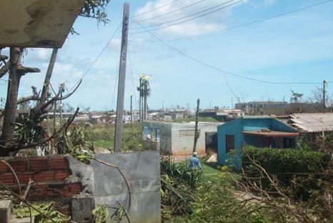 Imágenes tomadas durante el paso del ojo de huracán Gustav y tras la calma en Nueva Gerona, Isla de la Juventud