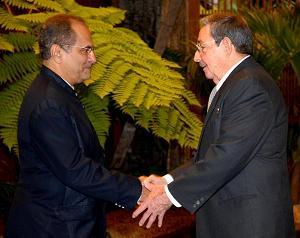 Raúl Castro Ruz (D) y José Ramos Horta
