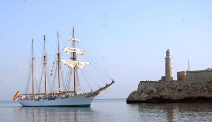 LLegada del buque escuela español Juan Sebastian Delcano, al puerto de La Habana