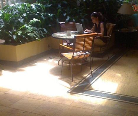 Yoani Sánchez utiliza tecnología de punta en Cuba para conectarse a la red y reportar para su blog