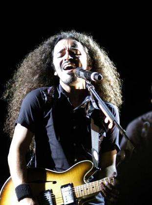 Ruben Albarran, vocalista de Café Tacuba, durante el concierto en La Habana