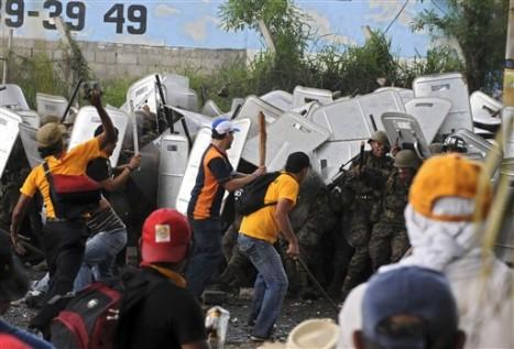 Las manifestaciones continuarán hasta que regrese el presidente constitucional, Manuel Zelaya