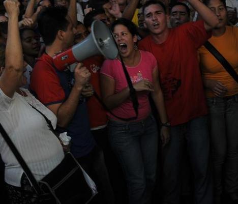 Cientos de jóvenes apoyaron la revolución