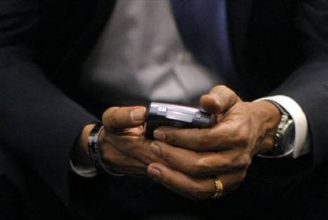 "Obama y su BlackBerry : ""Tendrán que arrancármela de las manos"""