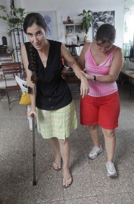oani Sánchez fingió una golpiza que no ocurrió en Cuba. No pudo mostrar a losmedios de prensalos moretones. Los médicos que la atendieron no encontraro signos de violencia.