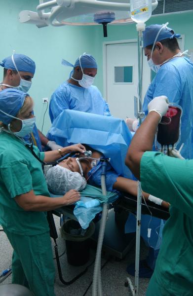 on el envío de más médicos sumaríanunos 1 200 colaboradores en Haití