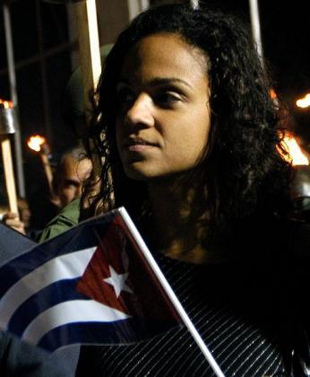 Cientos de jóvenes cubanos rindieron homenaje a José Martí
