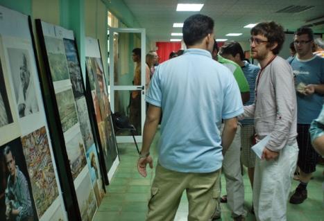 Integrantes de la brigada de lucha contra el terrorismo mediático en Cuba