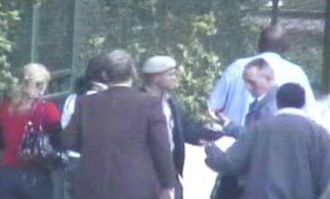 René Gómez Manzano  y Francisco Pastor Chaviano, se enfrentaron violentamente e intervienen las autoridades del orden público