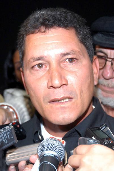 Narrador cubano Emerio Medina