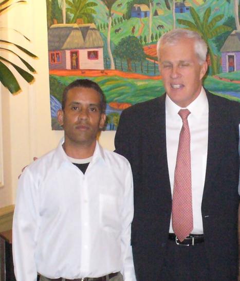 Carlos Manuel Serpa logró acceder a los más altos jefes de la SINA, entre ellos, Michael Parmly.
